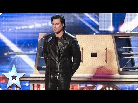 Видео: Illusionist Christian Farla wows the crowd  Britains Got Talent 2014