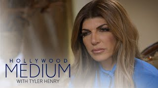Teresa Giudice\'s Late Mom Comes Through During Reading | Hollywood Medium with Tyler Henry | E!