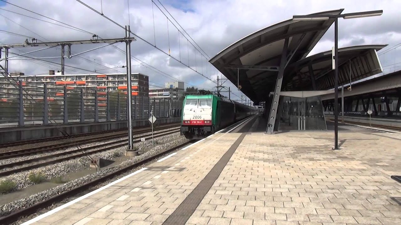 Traxx 2806 intercity brussel komen door station for Lombardijen interieur rotterdam