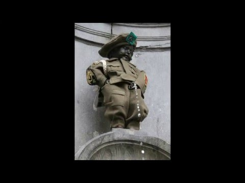Different costume of Manneken-Pis from Brussel, Belgium (Vidéo HD 1080p)