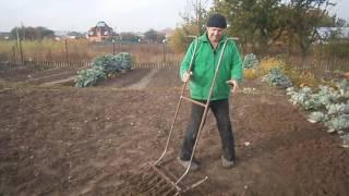 видео Самодельные инструменты для огорода своими руками
