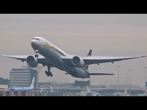 Jet Airways - 1st Boeing 777-300 ER - Takeoff at AMS Schiphol (VT-JEH)