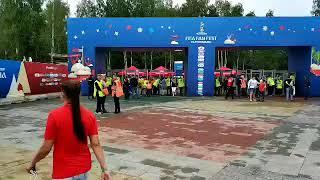 """В ЦПКиО начали запускать людей, пришедших на фестиваль """"Маяк"""""""