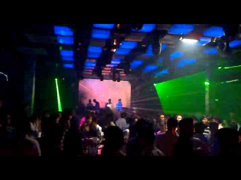 Vu truong, Bar V7 (V7 Club) Bien Hoa, Dong Nai P.1