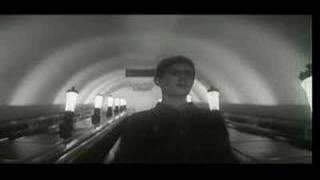 """Ya shagayu po Moskve"" - the ending"