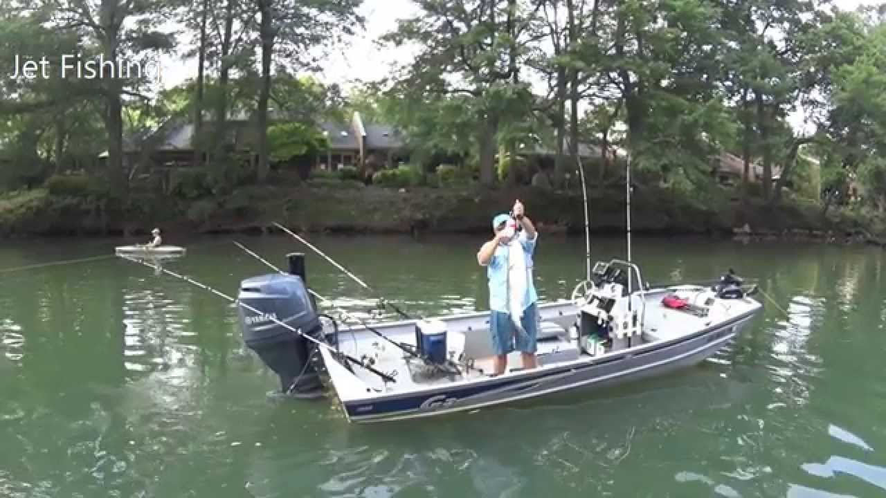 River Striper Fishing In The Jet Jon Seaark And G3 Youtube