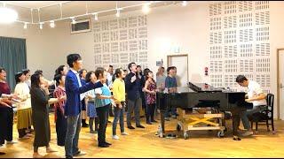 歌 鬼無亮仁&AK choir 田宮陽子 西田 普 トホカミエミタメは、古くから伝わる神道の「祝詞(のりと)」で、最強レベルのおはらい・おきよめ効果があるとも言われます。 「私たち ...