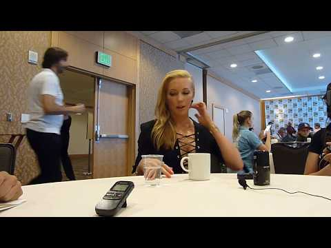 SDCC 2017:  Arrow: Katie Cassidy Black Siren