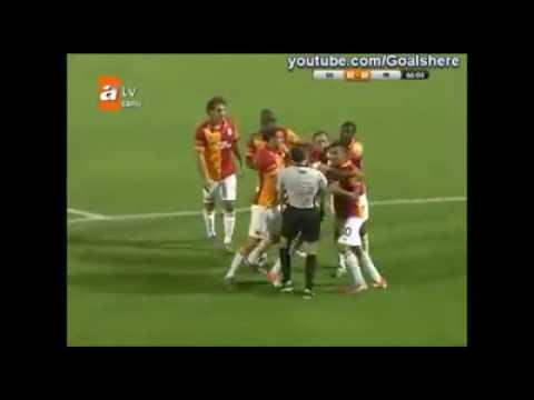 Türkiyede Futbol gülmemek elde değil
