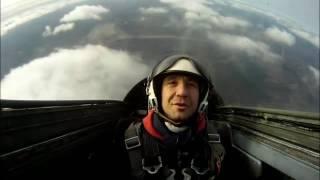 полет на реактивном самолете Л-29(Полеты на учебно-боевом реактивном Л-29 в Подмосковье. Перегрузки до 8G, скорость до 700 км/ч, фигуры высшего..., 2016-05-18T09:21:47.000Z)