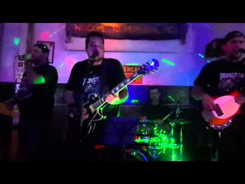 Banda OntheRock no Pepe Legal Motoclube (Money For Nothing - Dire Straits)