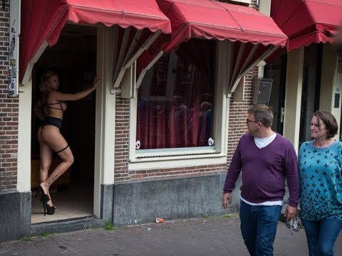 Things To Do In Amsterdam: The Red Light District