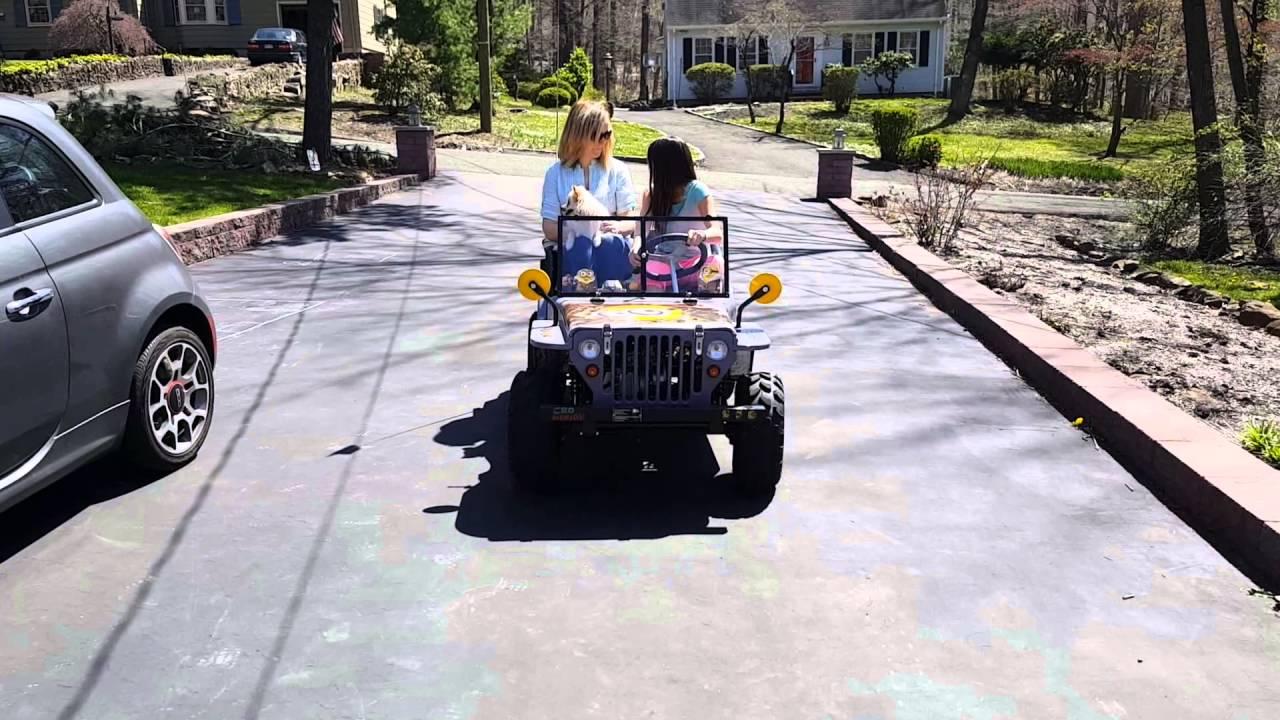Minion mini jeep 125cc - YouTube