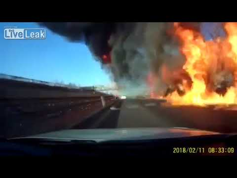In China, a lorry with a liquefied gas caught fire on the track