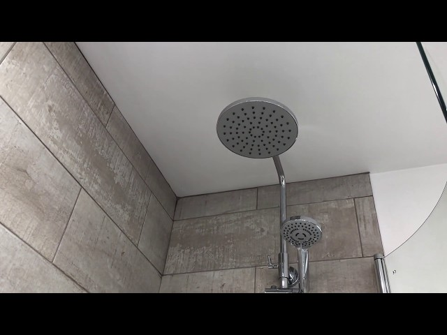 P bath in small bathroom