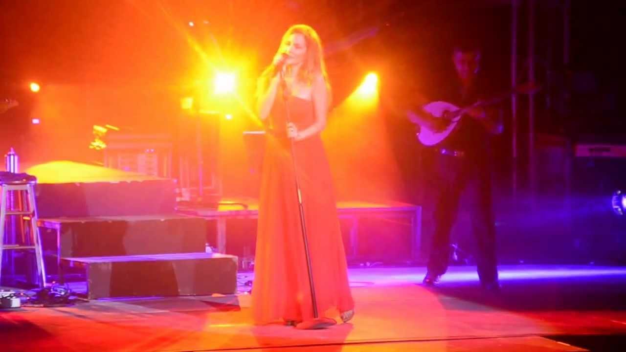 Άννα Βίσση - Ένα Σου Λέω, Άννα Με Πάθος Tour, Λευκωσία (30/07/2013)