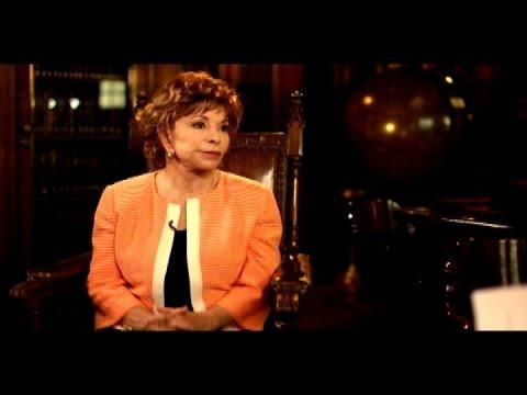 La vida y carrera de la escritora chilena Isabel Allende