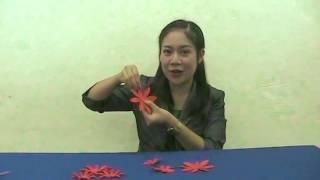 Repeat youtube video การประดิษฐ์ดอกไม้กระดาษติดขอบบอร์ด