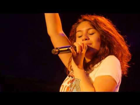 Alessia Cara - Seventeen [4K] (live @...
