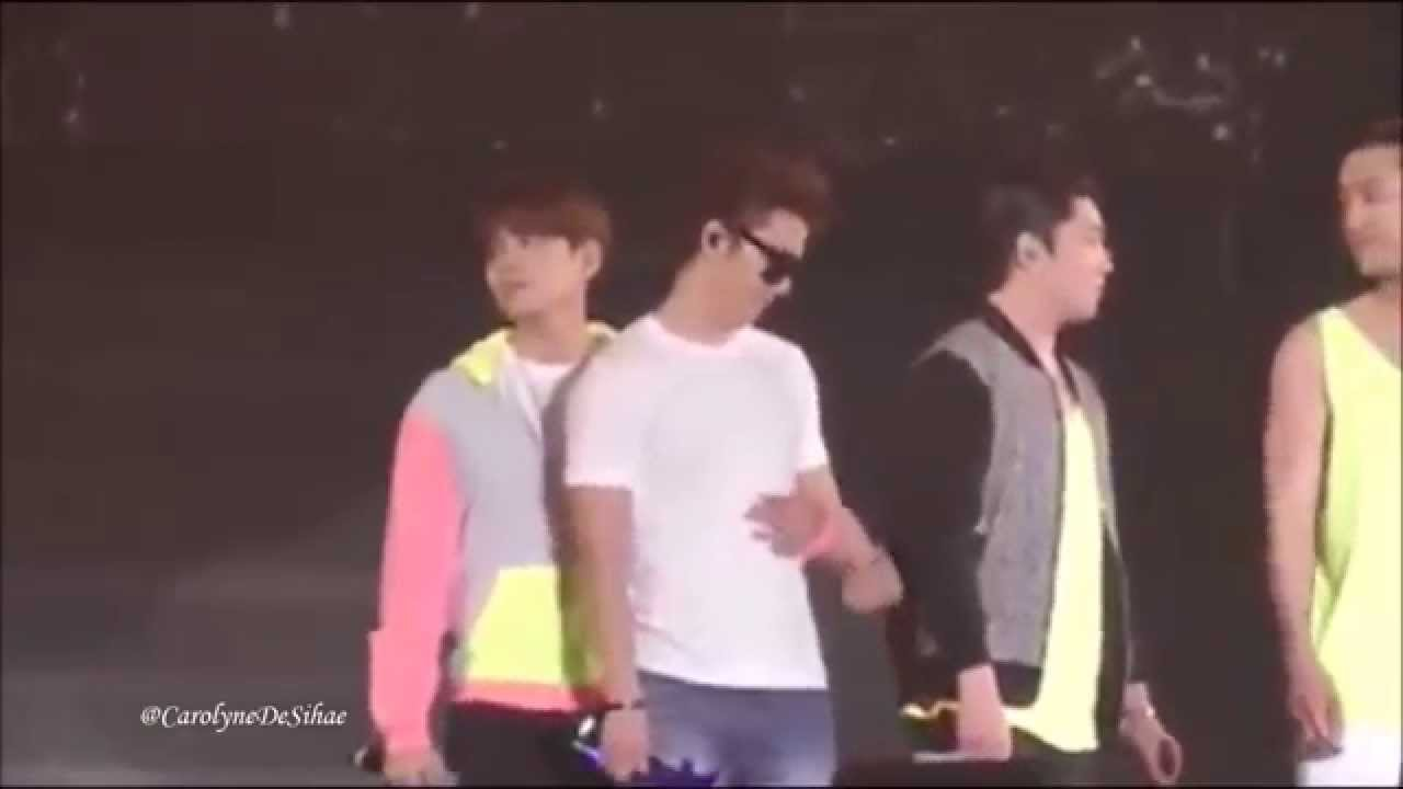 Super Junior touching each other    oh my god!!