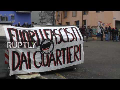 Italy: Pro- and anti-refugee protesters rally in Turin