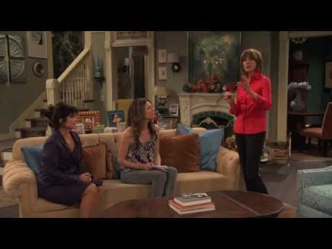 Hot in Cleveland Blooper: Wendie Malick Improvises