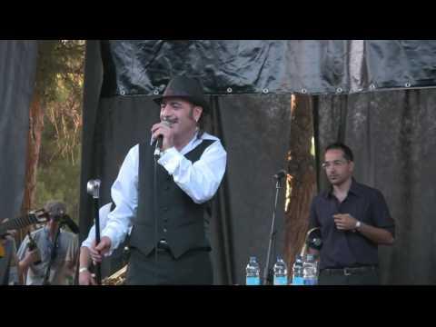 Tonino Carotone - Me Cago En El Amor (Rotonda d'Ardenza, Livorno Italy 2009)
