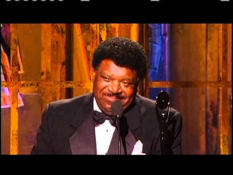 Percy Sledge accepts award Rock and Roll Hall of Fame Inductions 2005