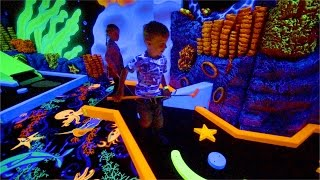 Indoor Playground Miniature Golf with Crazy Lights and Colors (family fun for kids)