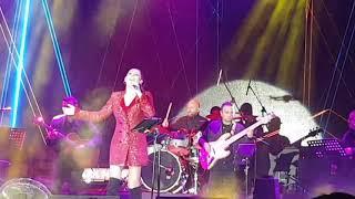 Karartma günleri Funda -Arar Esk Cumhuriyet meydanı konseri Video