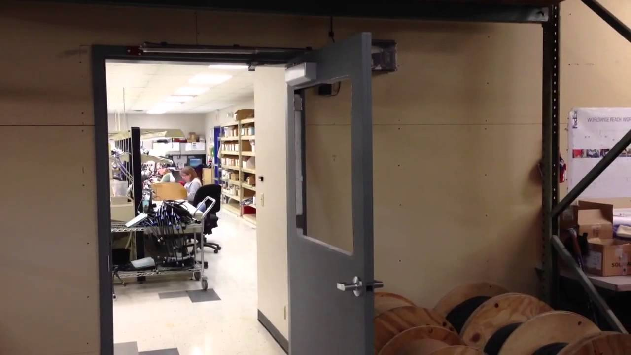 Pneumatic Door Operator & Pneumatic Door Operator - YouTube Pezcame.Com