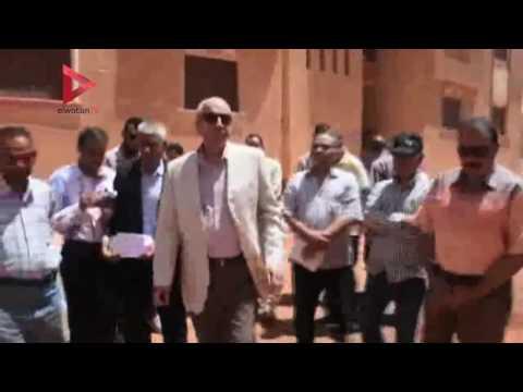 محافظ أسوان يتفقد مشروع إسكان الأوقاف 2008 بحي الصداقة