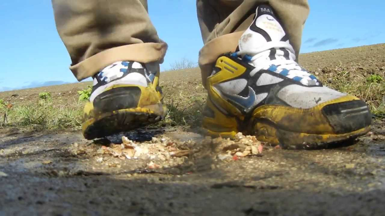 nike airmax triax have some peanuts - YouTube d56c52b22