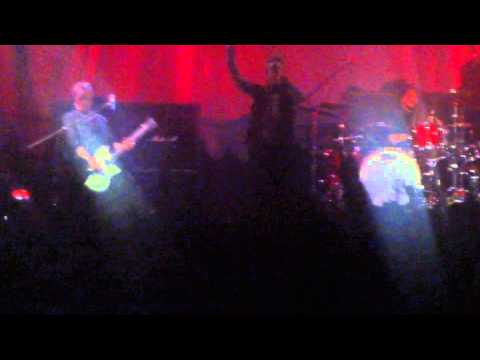 Papa Roach - Harder Than a Coffin Nail / Blood Brothers (live in Moscow) mp3
