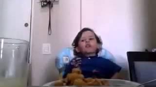 Kind erklärt, warum es kein Fleisch essen möchte