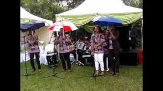 bwana nipe pesa a wedding
