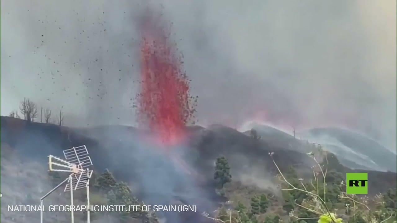 بدء ثوران بركان في جزيرة لابالما الإسبانية  - نشر قبل 9 ساعة