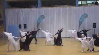 Танец Противостояние черное и белое