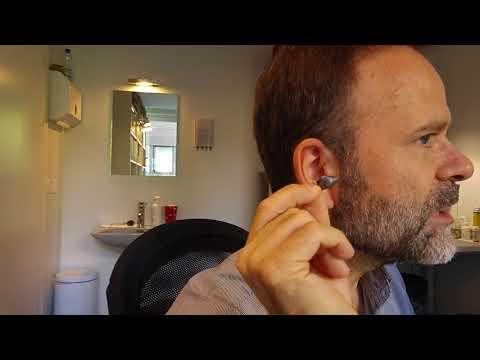 Mise en place d'un appareil auditif intraauriculaire