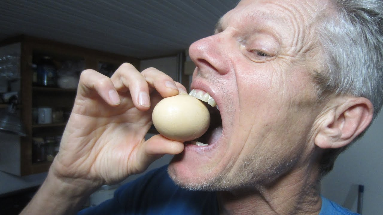 Eating Egg Shells for Calcium, Glucosamine Chondroitin, healthy bones and teeth!