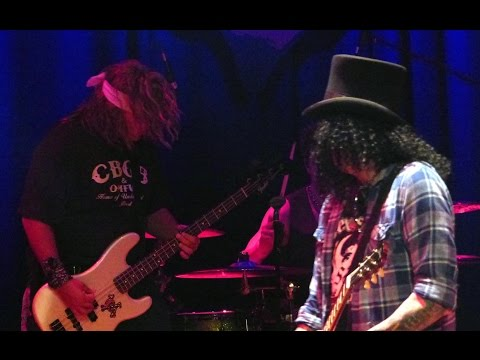 "Appetite For Destruction – ""NOVEMBER RAIN"" Live @ Throttle Fest 2015 in Myrtle Beach SC"