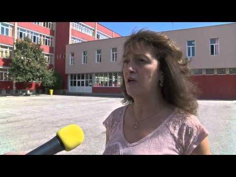 """Третокласник хвърля в ужас родители и учители в димитровградското училище """"Пенчо Славейков""""."""
