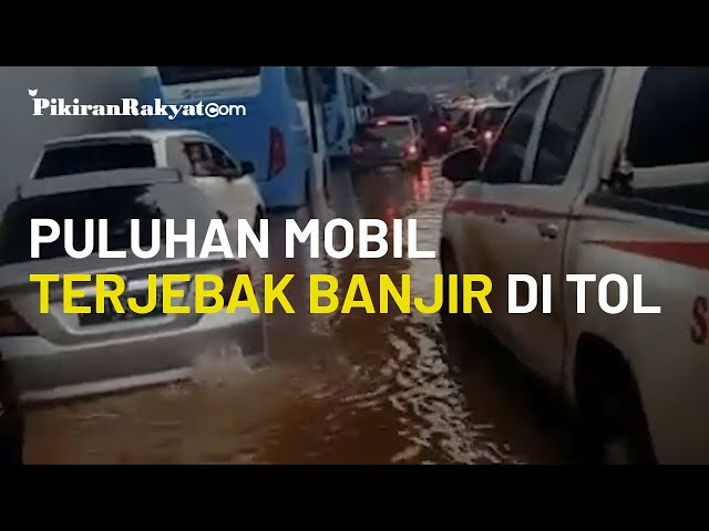 Video Viral, Puluhan Mobil Terjebak di Jalan Tol Jakarta Outer Ring Road (JORR) Imbas Dari Banjir