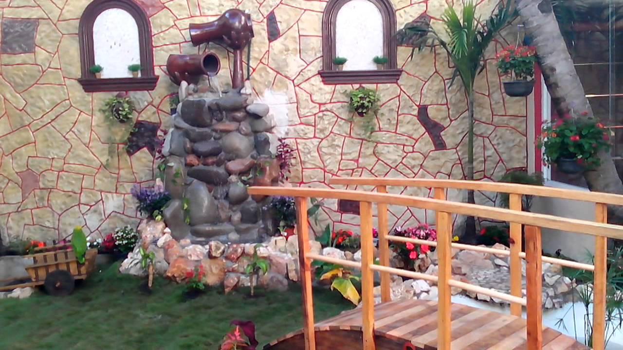 Estanque y jard n con cascada riachuelo youtube for Peces para estanques de jardin