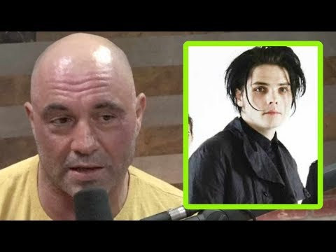 Off The Air: Johnny - Gerard Way & Joe Rogan Are Cousins!