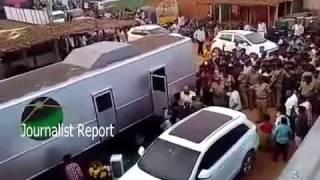 రామ్ చరణ్ షూటింగ్ బస్సు చూడండి ఎలా ఉందో || Ram Charan special Bus for Movie Shooting