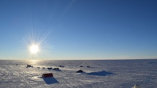 北緯75度のグリーンランドで7月下旬、沈まぬ太陽を撮影した。真夜中...