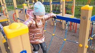 LIFE VLOG: Наше Утро/ Делаю Массаж Лица/ Весело Играем на Детской Площадке
