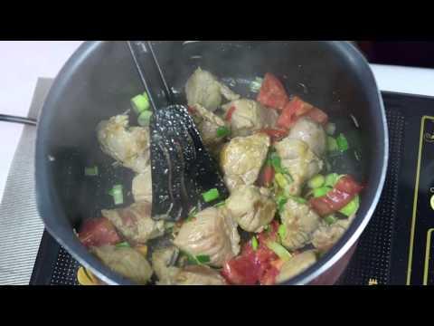 Sakafo Malagasy: Hena Kisoa Sy Anana - Green Leaf Vegetable With Pork