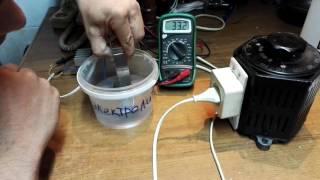 анодирование титана(Я просто провел опыт по электро анодированию титана. В видео я говорю про электро оксидирование, но это..., 2016-05-19T17:54:31.000Z)